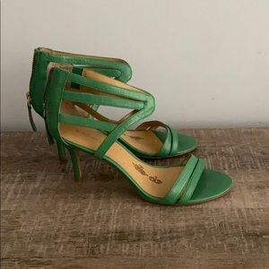 Nine West size 8M leather pumps with low heel